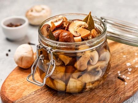 Мариновани гъби печурки в бурканчета с оцет, олио и чесън (зимнина) - снимка на рецептата